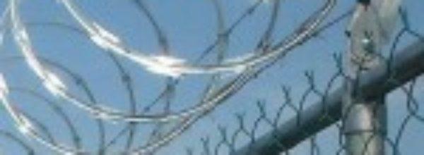 La CCAR condena el uso de las cuchillas y exige su retirada de las vallas de Ceuta y Melilla